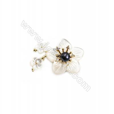 White Flower Mother-of-pearl Shell CZ Brooch x 1Piece  Gold Plated  Size 29x38mm