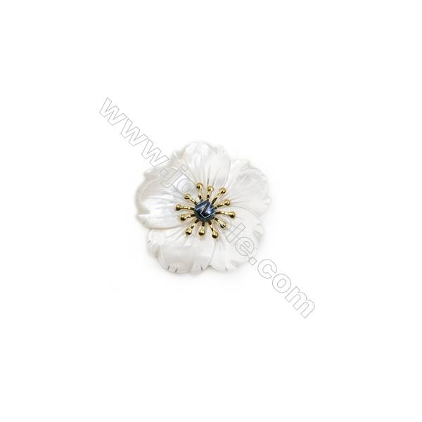White Flower Mother-of-pearl Shell Brooch x 1Piece  Gold Plated  Size 34x34mm