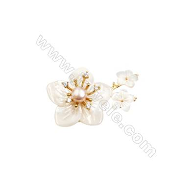 White Flower Mother-of-pearl Shell CZ Brooch x 1Piece  Gold Plated  Size 29x46mm