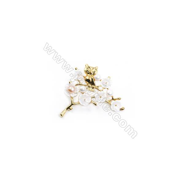 White Flower Mother-of-pearl Shell CZ Brooch x 1Piece  Gold Plated  Size 34x44mm