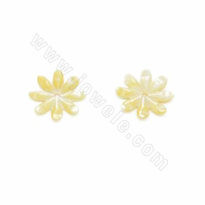 Yellow shell floral shaped...