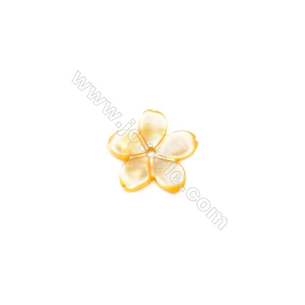 Floral Clover shell yellow mother-of-pearl, 9.5mm, hole 0.8mm, 30pcs/pack